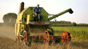Varuosad vanematele lääne traktoritele ja kombainidele.